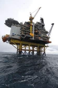 Une plateforme de forage en mer de Norvège. L'adoption du modèle norvégien d'exploitation publique et de gestion de la rente pétrolière devrait être une des conditions du développement pétrolier au Québec.