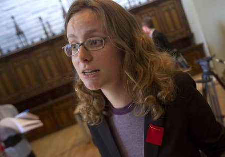 Selon la présidente de la FECQ, Éliane Laberge, les étudiants dans les associations locales ne sont pas bien informés sur ce que la FECQ peut leur offrir comme services.