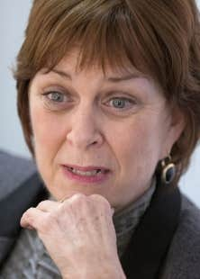 La rectrice sortante de l'Université McGill, Heather Munroe-Blum, déplore notamment le « faux débat » public sur le sous-financement, rappelant que personne, ni la Fédération étudiante universitaire (FEUQ), pas même le gouvernement, n'avait remis en question.