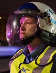 Stéfanie Trudeau a été arrêtée durant la nuit. Son état de santé s'est détérioré dans les heures suivantes, au point où elle a dû être conduite à l'hôpital en matinée.