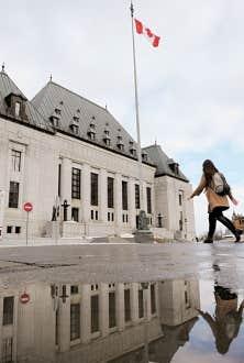 Se tenant loin habituellement des débats médiatiques, la Cour suprême a diffusé son communiqué en milieu de journée mardi.