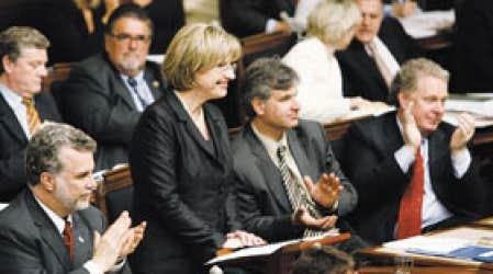 Monique Jérôme-Forget a été applaudie par les députés libéraux jeudi lors de la présentation de son budget.