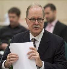 Le commissaire aux langues officielles, Graham Fraser, a indiqué mercredi qu'il reçoit plusieurs signaux d'un malaise croissant au sein de la communauté anglophone québécoise.