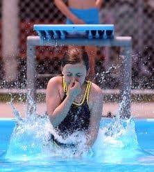 Le mal des piscines le devoir for Consommation chlore liquide piscine
