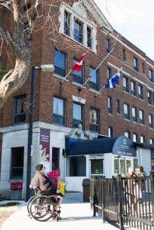 L'Institut Gingras-Lindsay-de-Montréal est un hôpital spécialisé en réadaptation des gens physiquement handicapés.