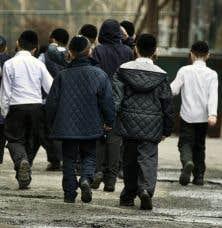 L'école qui a reçu un avis défavorable de la Commission consultative de l'enseignement privé est une école juive orthodoxe.