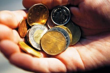 Même si Québec augmente la TVQ, qu'il réduit d'un milliard ses revenus perdus en évasion fiscale et qu'il réduit la croissance de ses dépenses de 4,7 % à 3,2 % par année, il lui manquera 5 milliards de dollars pour équilibrer son budget de 2013-14.