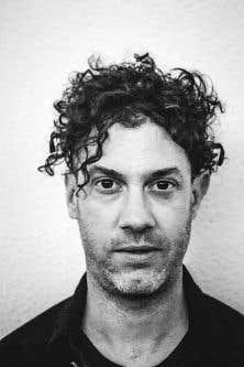 Jeremy Gara propose un disque constitué de douze compositions électroniques ambient flirtant avec le bruitisme.