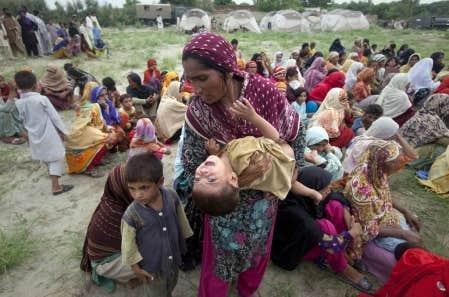 Des millions de Pakistanais ont &eacute;t&eacute; d&eacute;plac&eacute;s par la crue des eaux.<br />