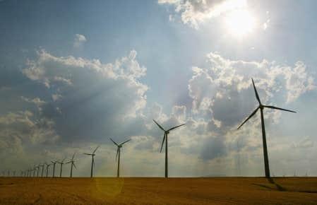 Le sondage indique que le solaire et l&rsquo;&eacute;olien obtiennent la meilleure cote parmi les fili&egrave;res &eacute;nerg&eacute;tiques.<br />