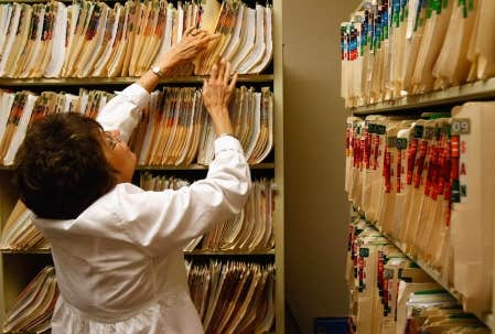 La piètre gestion du Dossier de santé du Québec (DSQ) était sur toutes les lèvres hier au colloque Informatique-Santé organisé par l'Association québécoise d'établissements de santé et de services sociaux (AQESSS)