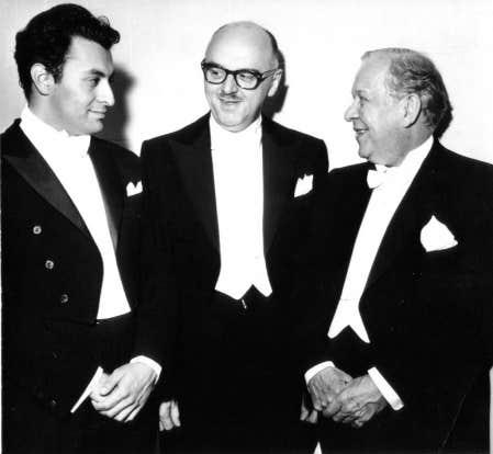 Wilfrid Pelletier, &agrave; droite, est le premier directeur musical de l&#39;OSM. Il a partag&eacute; avec Zubin Mehta (&agrave; gauche) le concert inaugural de la Place des Arts, le 21 septembre 1963. <br />