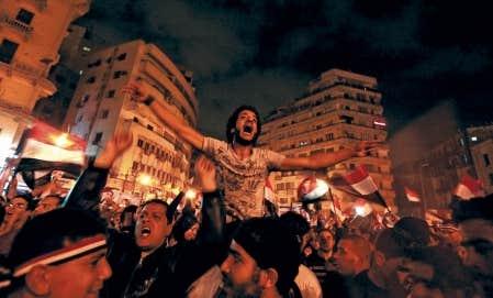 La joie, les pleurs, les cris se sont r&eacute;pandus place Tahrir &agrave; l&rsquo;annonce du d&eacute;part du pr&eacute;sident Moubarak. Et depuis, les &Eacute;gyptiens exultent.<br />