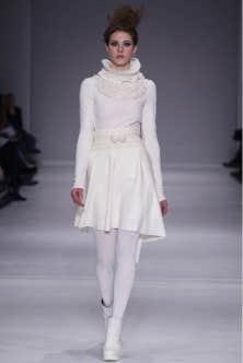 Une robe de Nadya Toto, pr&eacute;sent&eacute;e &agrave; la derni&egrave;re Semaine de mode de Montr&eacute;al<br />