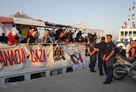 La trentaine de délégués canadiens — dont cinq Québécois — reviennent donc au compte-goutte par avion, sans pouvoir dire «mission accomplie». Mais, à bord du Tahrir, le moral est bon.