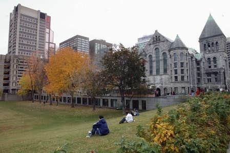 Quatorze institutions canadiennes se trouvent parmi les 300 class&eacute;es au palmar&egrave;s Quacquarelli Symonds, McGill &eacute;tant la mieux cot&eacute;e des universit&eacute;s du pays.<br />