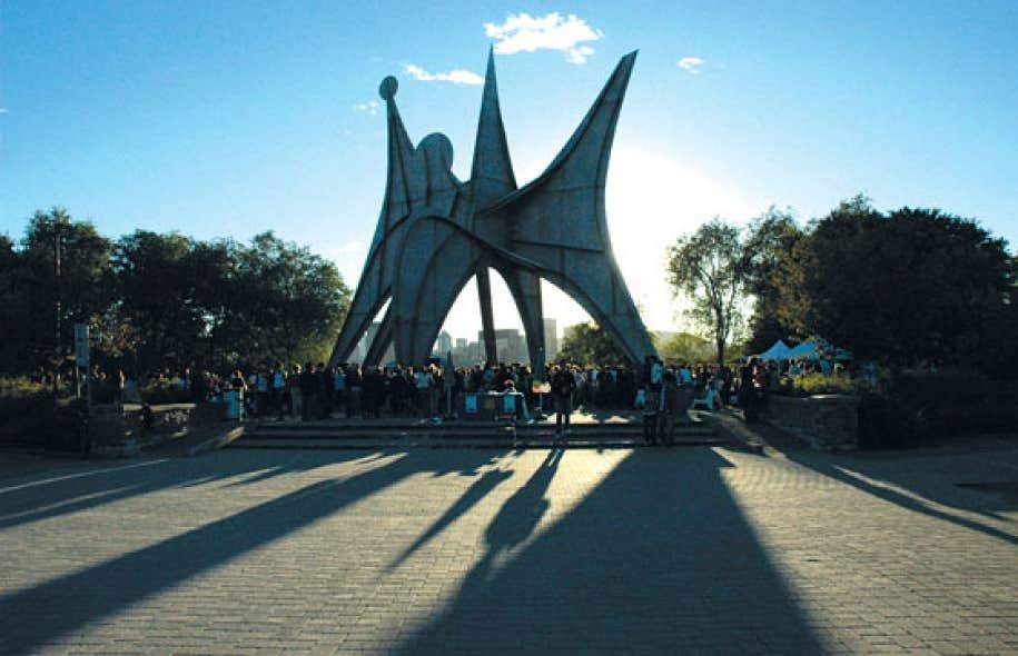 La première mission du nouveau comité sur l'art public sera de convaincre élus et citoyens de déménager L'homme d'Alexander Calder, planté loin du centre-ville, au parc Jean-Drapeau.