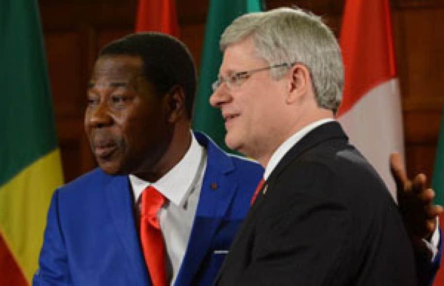 Stephen Harper en compagnie du président du Bénin Thomas Yayi Boni