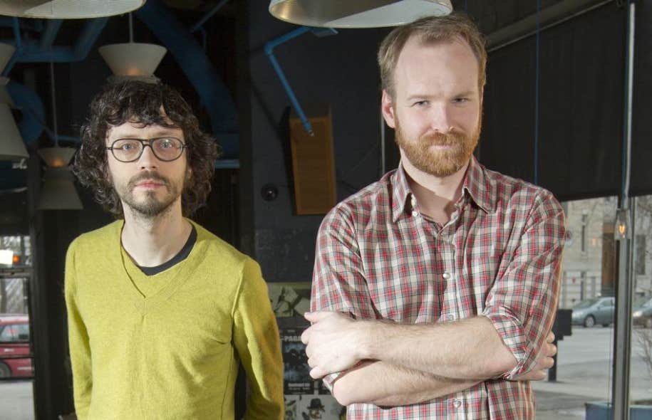 Philippe B (à gauche) en compagnie de Stéphane Lafleur, chanteur du groupe Avec pas d'casque