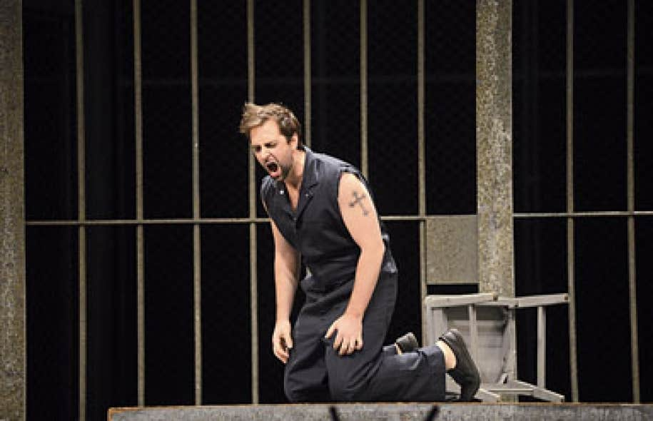 Dead Man Walking est porté par Étienne Dupuis, en transe.