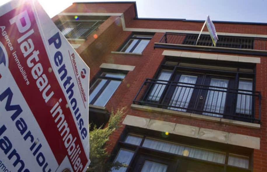 «Les ventes de maisons ont chuté de plus de 10 % par rapport au printemps dernier et se situent maintenant en deçà des moyennes historiques dans la plupart des grandes villes», a expliqué Adrienne Warren, économiste principale à la Banque Scotia.