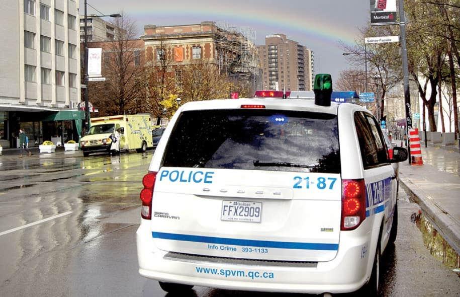 Québec solidaire veut sensibiliser les parlementaires à l'urgence d'établir un bureau d'enquête indépendant lors d'événements violents où des policiers sont impliqués.