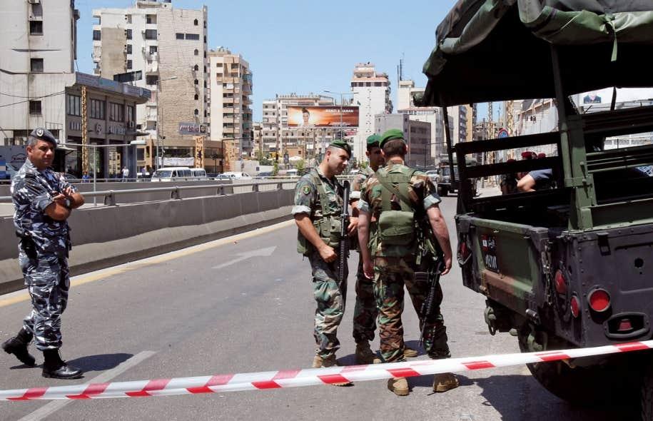 Deux tirs de roquette ont été rapportés dans le sud de Beyrouth, dimanche, touchant un immeuble à logements dans un quartier sous le contrôle du Hezbollah libanais.