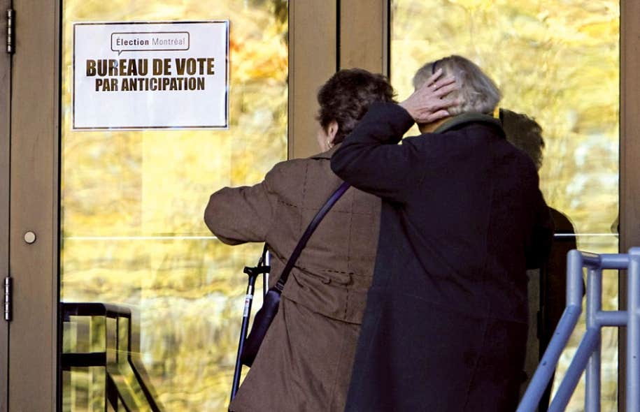 En 2005, 61 % des maires et conseillers ont été élus sans opposition. Aux dernières élections, on comptait moins de 13 000 candidats pour un total de 8078 postes à pourvoir dans 1104 municipalités