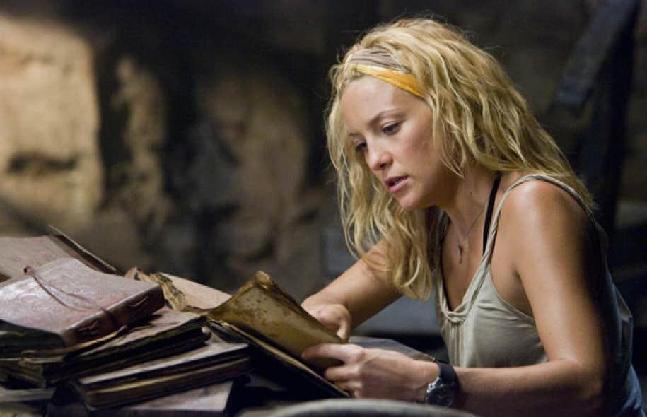 Kate Hudson lisant des vieux livres dans le film Fool&#39;s Gold (2008)<br />