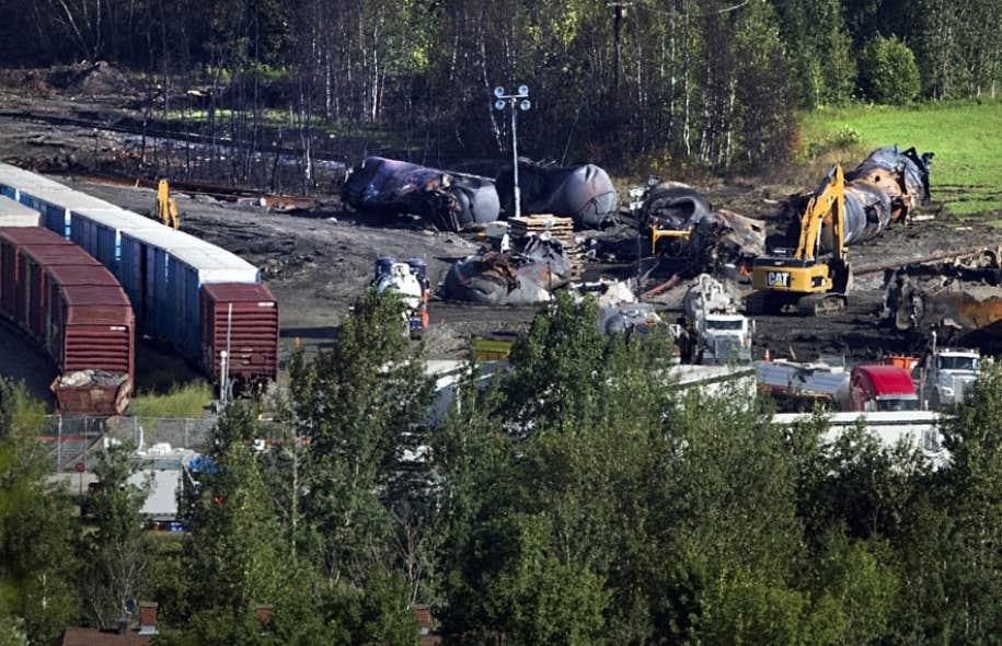 Cette catastrophe environnementale provoquée par le train de la MMA pourrait coûter plusieurs centaines de millions de dollars en décontamination et restauration des lieux.