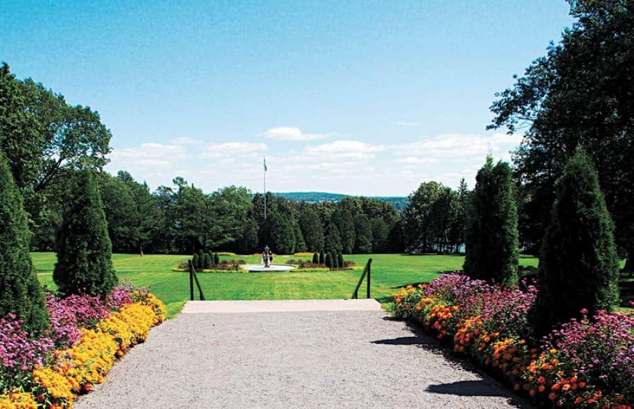 Un apr s midi au parc le devoir for Au jardin du gouverneur quebec