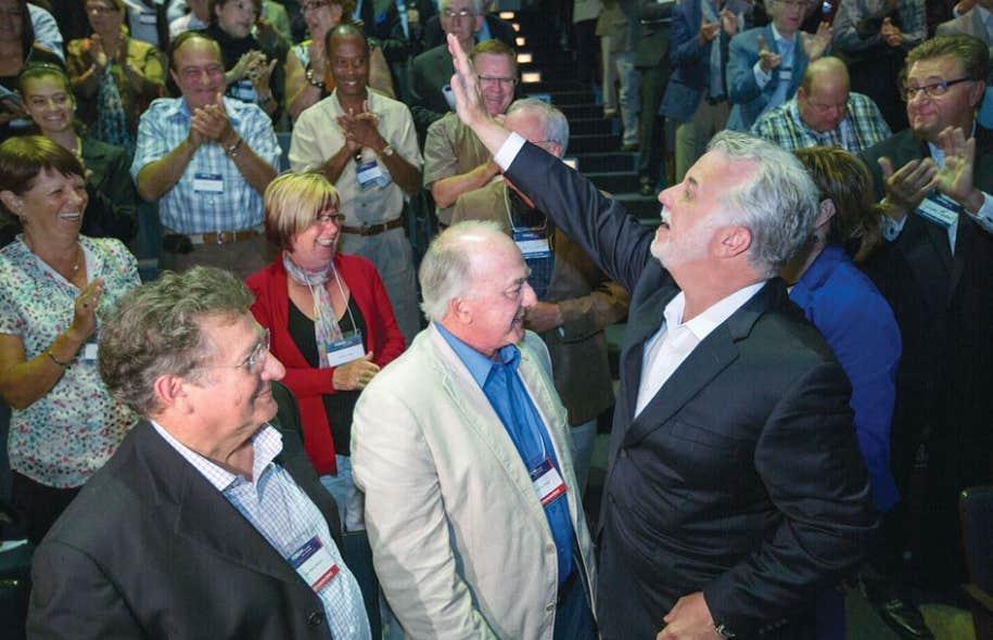 Bien que Philippe Couillard ait souhaité que le Forum des idées soit un événement non partisan, l'accueil enthousiaste que lui ont réservé dimanche les quelque 200 participants a montré qu'il s'agissait tout de même d'un événement bien libéral.