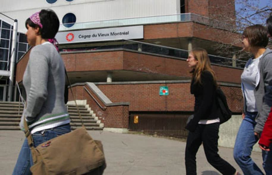 Des 600 catégories d'emplois dans les secteurs public et parapublic, les enseignants au cégep ont été la seule catégorie à subir une dévaluation, a indiqué Micheline Thibodeau, responsable du regroupement cégep de la Fédération nationale des enseignants (FNEEQ-CSN)