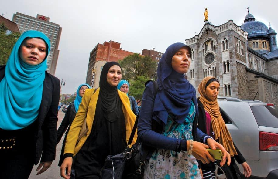 Latifa, Sophie, Soumia, Hajar, Tasnim et Yassmina assurent porter le voile par choix. «Personne ne m'a obligée à porter le voile. De quel droit Pauline Marois, elle, se permet de m'obliger à l'enlever?», s'interrogent ces étudiantes de l'UQAM.