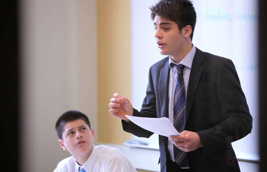 Karl Valentini, un élève de Selwyn House, a fait partie de l'équipe canadienne qui a remporté l'été dernier le Pan American Championship de débats oratoires aux Bermudes.