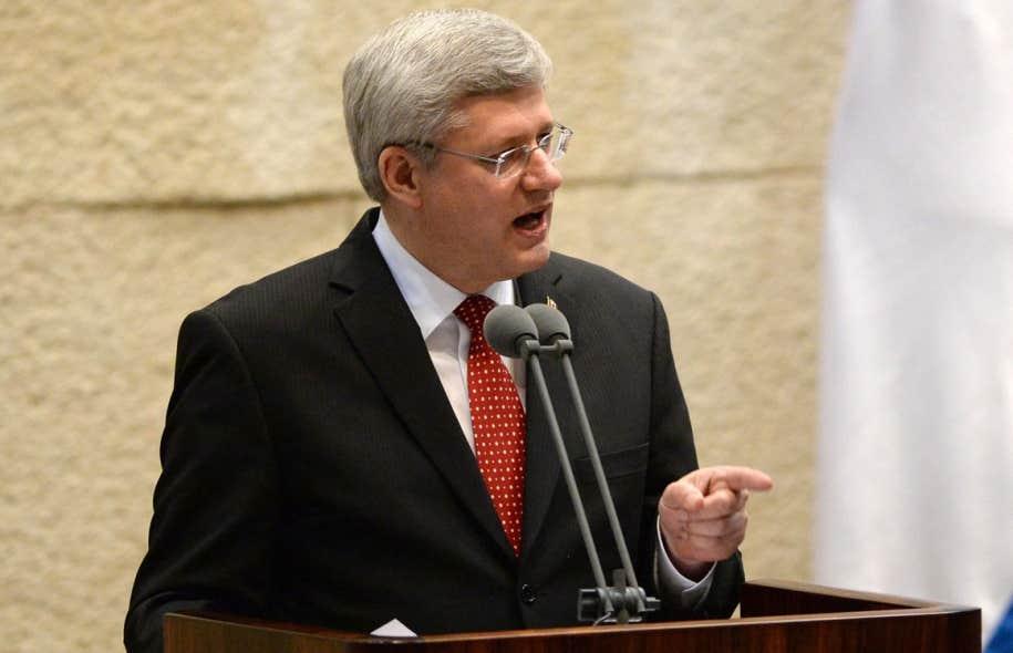 Stephen Harper s'adressant aux parlementaires de la Knesset, lundi, à Jérusalem