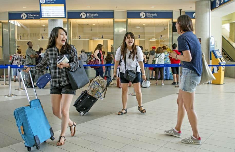 Pour provoquer les rencontres tout en soignant son budget, le voyageur d'aujourd'hui boude les hôtels au profit des plateformes de partage.