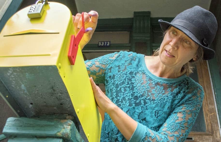 Patsy Van Roost, l'artiste derrière les projets «L'amour dans le Mile-End» et «Ici un souvenir», vient d'en lancer un autre «qui pourrait sauver des vies».