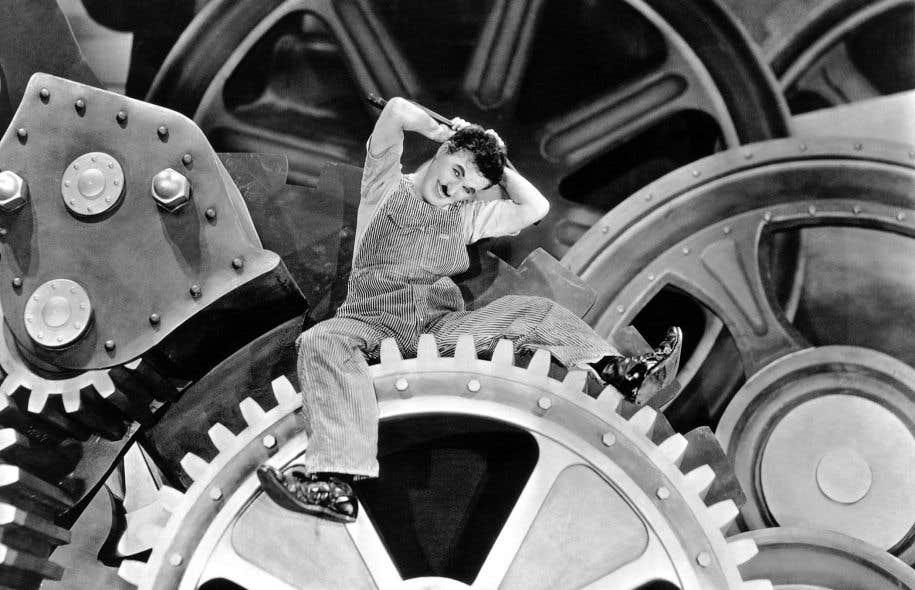 «Les Temps modernes», de Charlie Chaplin. On n'attend plus des employés qu'ils constituent les pièces passives d'un engrenage industriel.