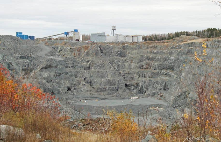 Les contribuables ont tout de même à leur charge tout près de 700 sites miniers abandonnés.