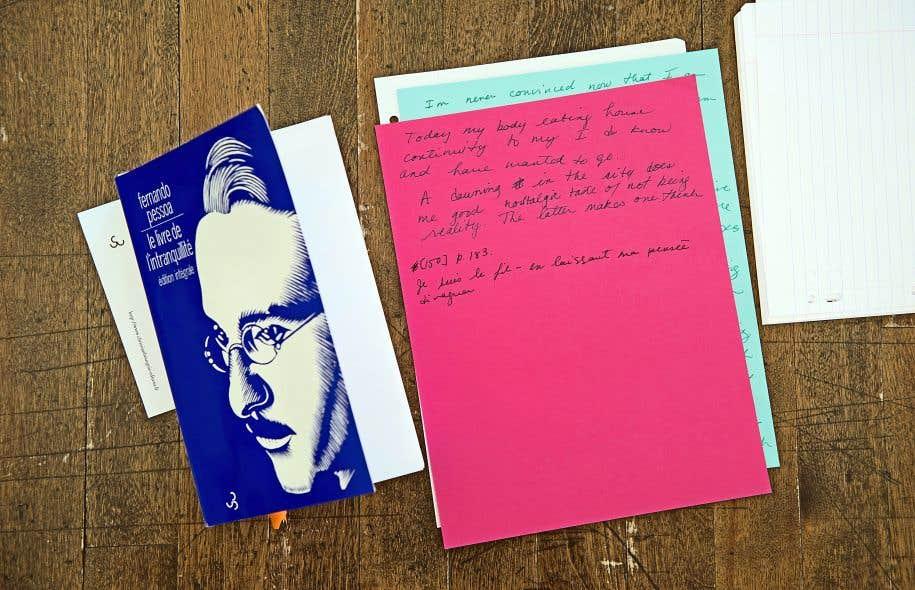 <em>Adventures Can Be Found Anywhere, même dans la mélancolie</em>, c'est six performeurs qui écrivent, attablés devant des exemplaires du Livre de l'intranquillité.
