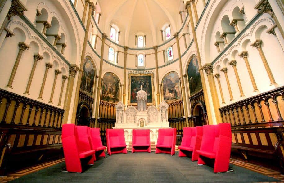 La chapelle des soeurs grises a été transformée en salle de lecture par l'université Concordia.