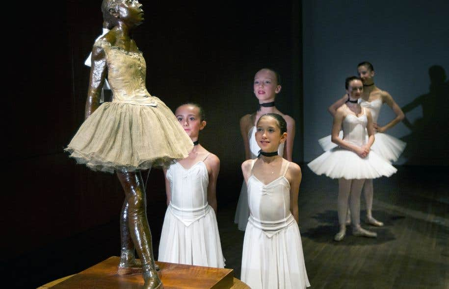 Le MAL craint que le climat financier actuel ne sonne le glas de plusieurs activités culturelles. Ici, de jeunes danseuses observent La petite danseuse de Degas, de passage au MBAM.