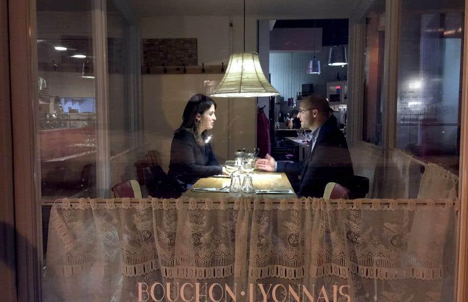 Véronique Hivon et Sol Zanetti emploient spontanément le tutoiement lorsqu'ils s'adressent l'un à l'autre.
