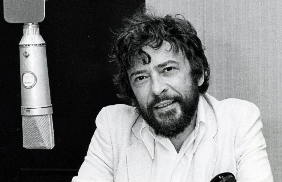 Réginald Martel commence sa carrière médiatique comme présentateur et animateur à Radio-Canada.