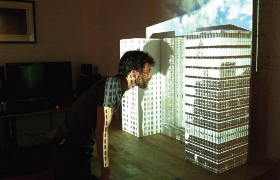 Joël Proulx-Bouffard, designer 3D, lors d'une séance de travail réalisée dans les studios montréalais de l'équipe de Réalisations