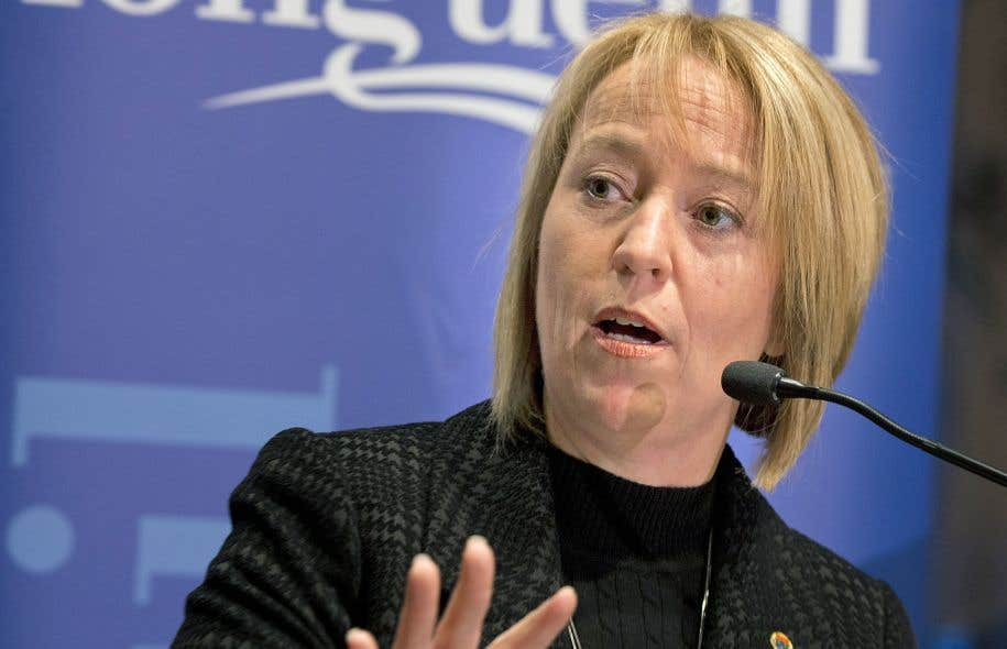 La mairesse de Longueuil, Caroline St-Hilaire, souhaite que les séances du conseil municipal se déroulent uniquement en français.