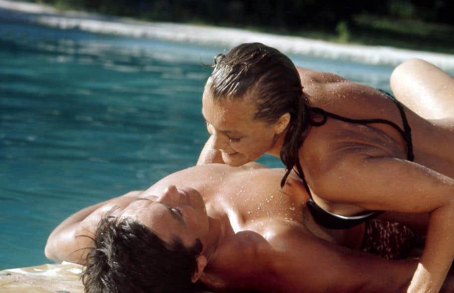 Le cin ma en eaux profondes le devoir - Maison du film la piscine ...