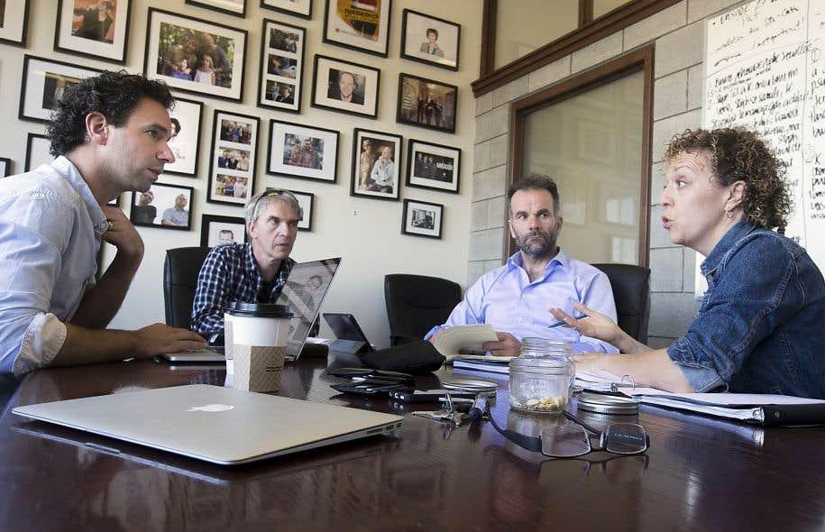 Le quatuor d'auteurs se réunit plusieurs fois par semaine dans une ancienne manufacture du centre de Montréal.