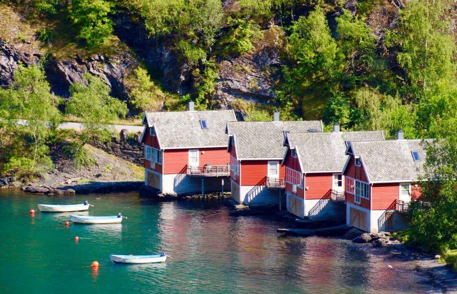 Fjord, chaloupes et chalets, un mode de vie.